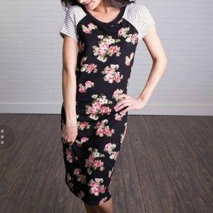 Sweet Claire Black Floral Print Midi Dress, M